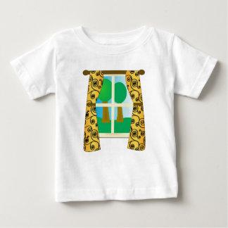 窓を通して ベビーTシャツ