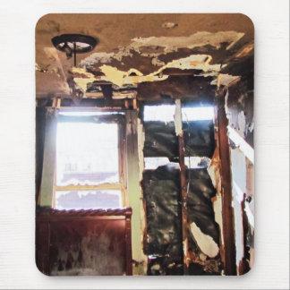 窮乏の窓 マウスパッド