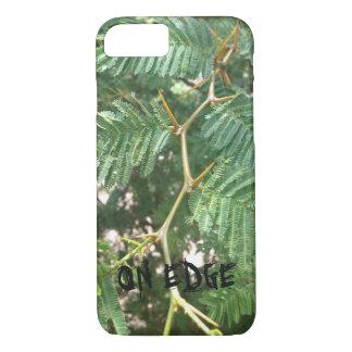 """""""端で""""の植物のIPhoneの場合 iPhone 8/7ケース"""