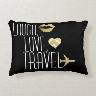 笑い、愛、旅行 アクセントクッション