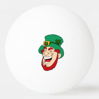 笑う小妖精の卓球かビールPongの球 卓球ボール
