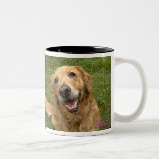 笑顔のゴールデンレトリーバー ツートーンマグカップ