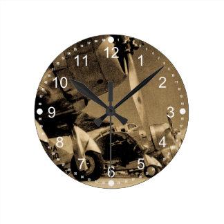 第二次世界大戦のダグラスSBDのDauntless爆撃機の飛行機 ラウンド壁時計