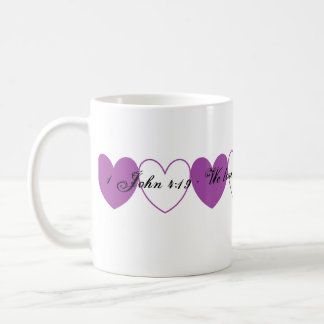 第1ジョンの4:19のマグ コーヒーマグカップ