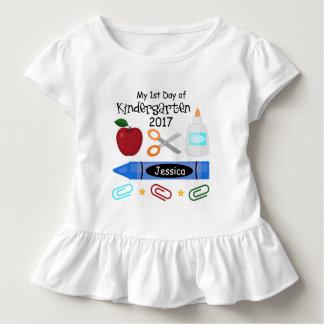 第1幼稚園のティーのTシャツの日 トドラーTシャツ