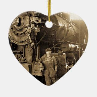 第1次世界大戦のヴィンテージの円形機関車庫Rosies セラミックオーナメント