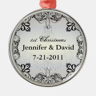 第1結婚したクリスマスの華麗さのオーナメント メタルオーナメント