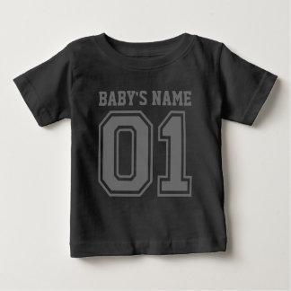 第1誕生日(ベビーの名前を個人化して下さい) ベビーTシャツ