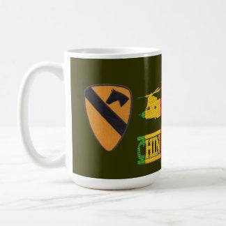 第1騎兵隊部CH-47のチヌックのパイロットのマグ コーヒーマグカップ