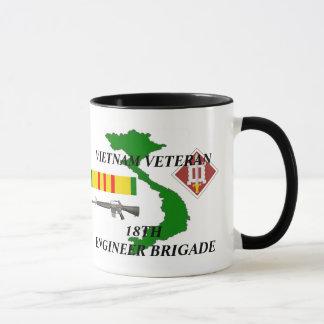 第18エンジニアの組のベトナムの退役軍人のコーヒー・マグ マグカップ