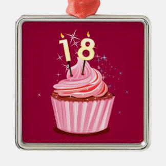 第18誕生日-ピンクのカップケーキ メタルオーナメント