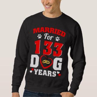 第19犬の恋人のための結婚記念日のTシャツ スウェットシャツ