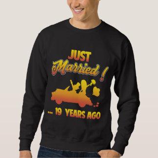 第19記念日のためのギフト。 夫の妻のためのワイシャツ スウェットシャツ