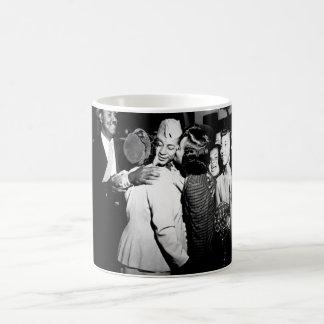 第1 Alvin Anderson_War Image Lt コーヒーマグカップ