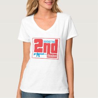 第2をの女性のHanesのNano V首のTシャツ実施して下さい Tシャツ