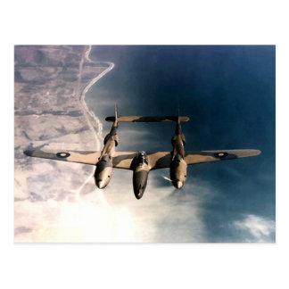 第2次世界大戦の飛行中の歴史的な戦時の航空機 ポストカード