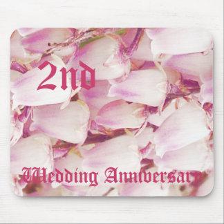 第2結婚記念日-谷のユリ マウスパッド