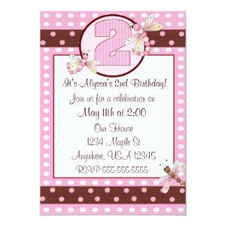 第2誕生会のピンクのトンボの女の子の招待 カード
