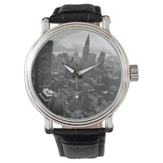 第2 1961年5月:  ニューヨークのクライスラの建物 腕時計