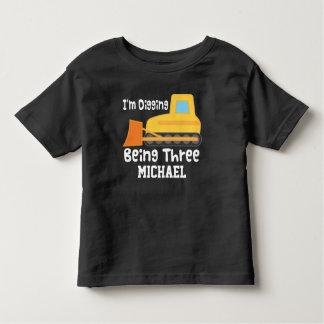 第3誕生日のブルドーザーの建築のトラックのTシャツ トドラーTシャツ