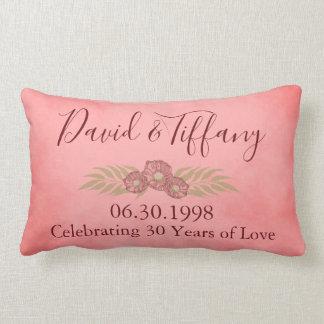 第30結婚記念日のピンクは花柄を個人化します ランバークッション
