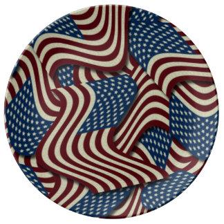 第4 7月のパーティの赤く白くおよび青の米国旗の 磁器プレート