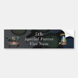 第5特殊部隊の緑色のベレー帽のnamのバンパーステッカー バンパーステッカー