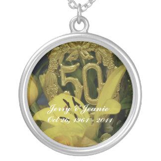 第50結婚記念日のネックレスは個人化なります シルバープレートネックレス