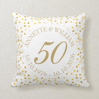 第50結婚記念日の金ハートの紙吹雪 クッション