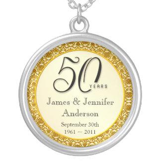 第50記念日の金ゴールドのレースの記念品のペンダント シルバープレートネックレス