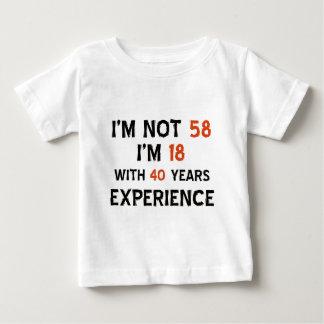 第58誕生日のデザイン ベビーTシャツ