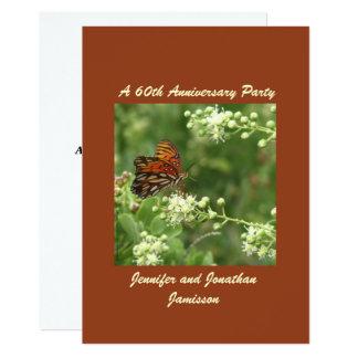 第60記念日のパーティの招待状の蝶 カード