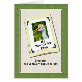 第69ショウジョウサギが付いているバースデー・カード カード