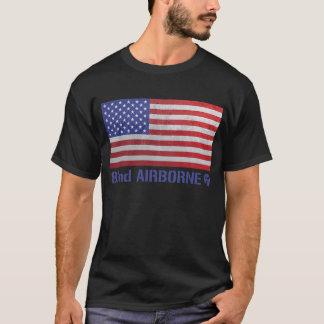 第82空挺師団のFort Braggの落下傘兵 Tシャツ
