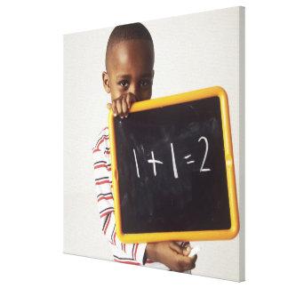算術を学ぶこと。 aを保持している4歳の男の子 キャンバスプリント