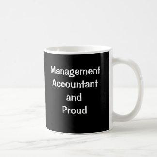 管理会計士および誇りを持った コーヒーマグカップ