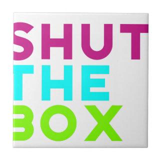 箱のロゴを締めて下さい タイル