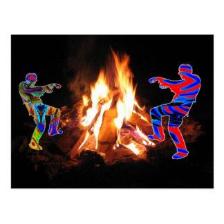 篝火のパーティーの糖菓のBonneの火 ポストカード