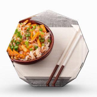 米のヌードルおよび野菜の乾燥のアジア皿 表彰盾