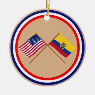 米国およびエクアドルによって交差させる旗 セラミックオーナメント