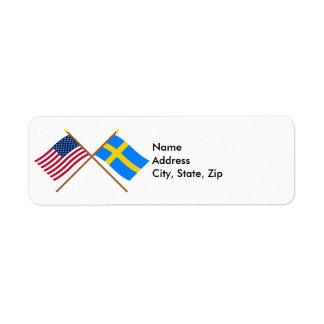 米国およびスウェーデンによって交差させる旗 ラベル
