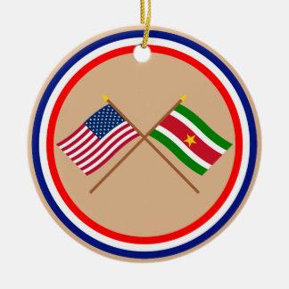 米国およびスリナムによって交差させる旗 セラミックオーナメント