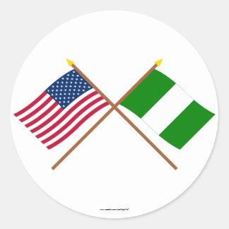 米国およびナイジェリアによって交差させる旗 ラウンドシール