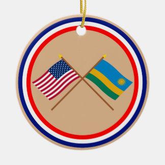 米国およびルワンダによって交差させる旗 セラミックオーナメント