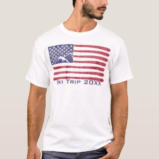 米国が付いているスキーを来て下さい(カスタマイズ可能な) Tシャツ