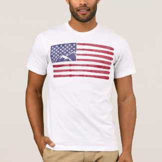 米国が付いているスキーを来て下さい Tシャツ