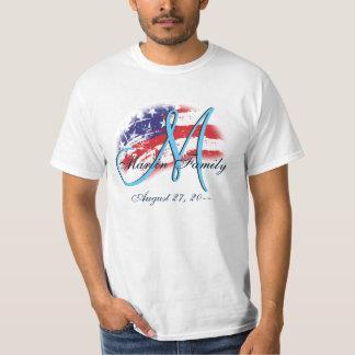 米国のアメリカの家族会の旗はモノグラムを着色します Tシャツ