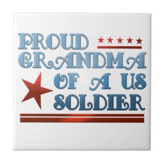 米国の兵士の軍隊の誇り高い祖母 タイル