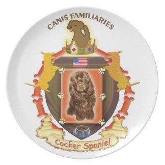 米国の旗が付いているコッカースパニエル犬の頂上のプレート プレート