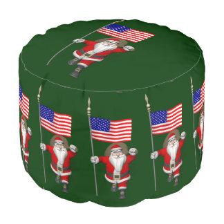 米国の旗を持つサンタクロース プーフ